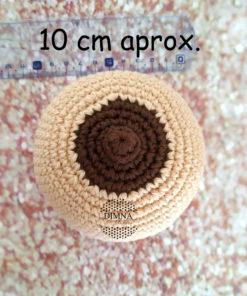pecho con pezón invertido o habitual de ganchillo tejido por dimnadesigns.com